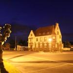 La place de la Poste de wasselonne vu de nuit