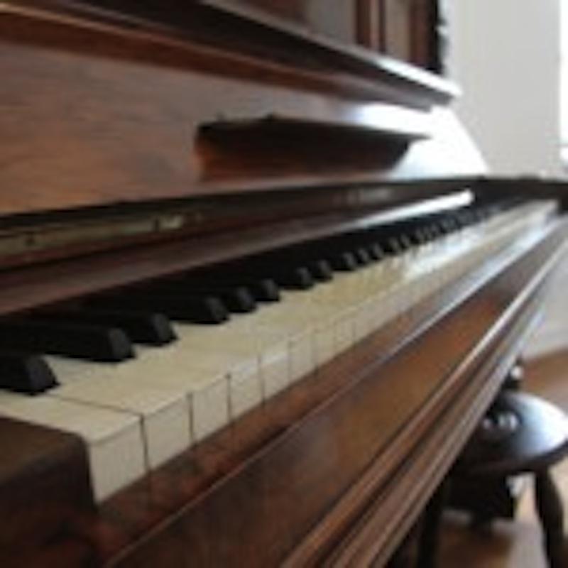 GITE CHARME ALSACE LA TERRASSE piano Klavier